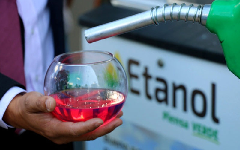Destacan uso de etanol en gasolinas